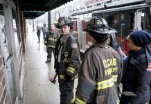 Chicago Fire - 8.16 - The Tendency of a Drowning Victim